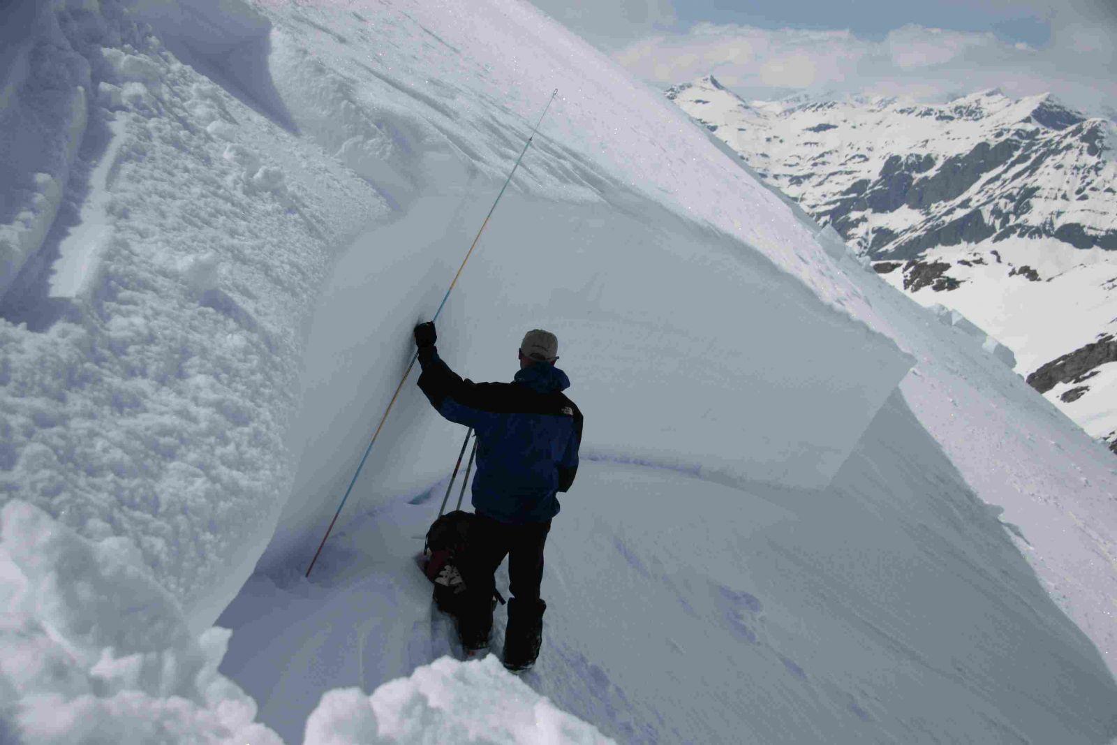 m u00e9tier d u00e9cal u00e9   le nivologue  expert en neige